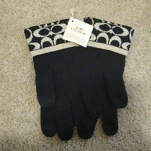 Coach Black and White Signature C Tech Gloves